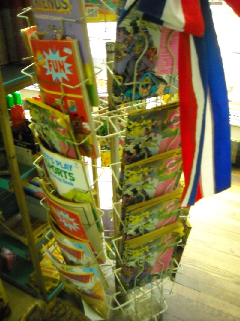 The spinner rack that forgot time (photo by Mich)